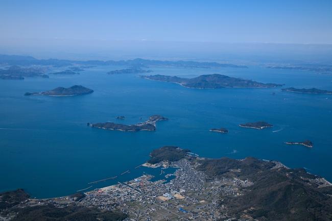 濑户内海鸟瞰。濑户内国际艺术节组委会提供