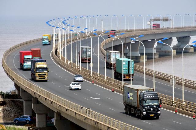 交通运输部:所有公路桥梁、港口码头和城轨对外资不设限