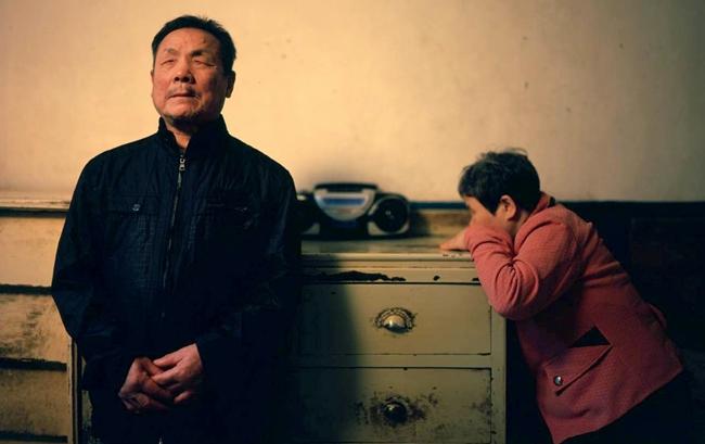 田有学和陈金凤,这对盲人夫妇互相搀扶,共同度过20多年岁月。