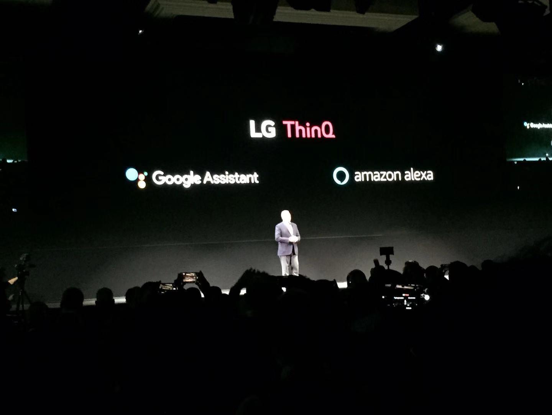 LG人工智能家电同时跟与谷歌、亚马逊的智能语音助手合作。