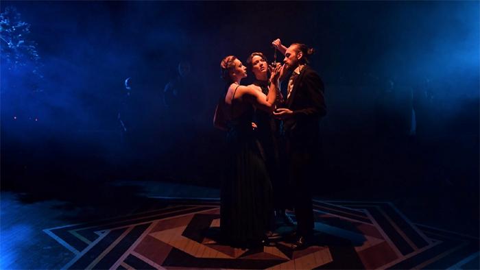《不眠之夜》创始于英国伦敦,引入纽约也已经八年之久,在浸入式戏剧十多年的发展历程中,至今没有一部作品能够超越这部王牌作品。