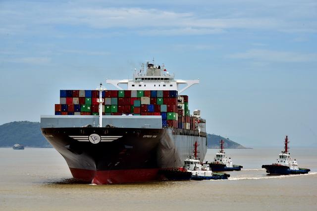 中国多年保持全球货物贸易第一大国地位,航运的足迹已经遍及世界的每一个角落。摄影/章轲