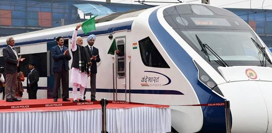 印度总理莫迪出席列车首发仪式 来源:印度总理办公室网站