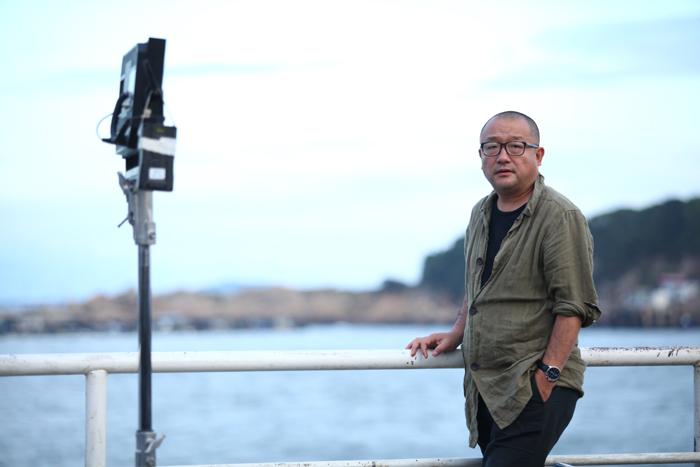 """《地久天长》是王小帅""""家园三部曲""""的第一部,他预计拍完三部可能花十年甚至更长时间。 图片由受访者提供"""