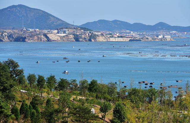 陆地是海洋环境污染的重要来源,需要陆海统筹,整体保护。摄影/章轲