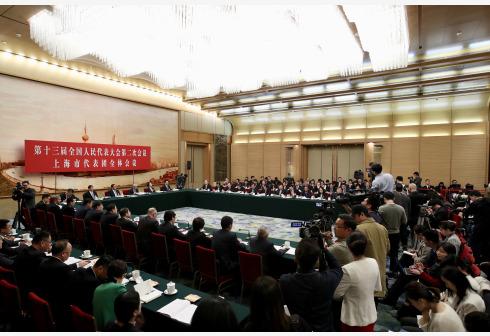 3月6日,十三届全国人大二次会议上海代表团全体会议向媒体开放。 新华社记者 金立旺 摄