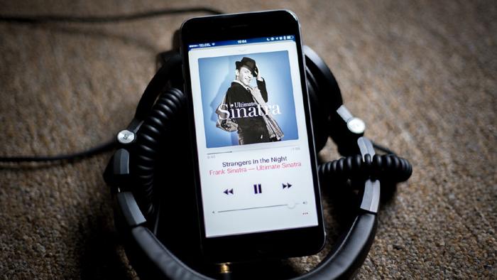 2015年上线的Apple Music,现在在全球拥有超过5000万用户,数据上已经超越了Spotify。