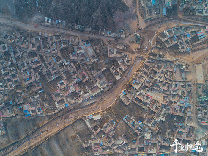 东乡县达板镇舀水村航拍。 摄影/吴军