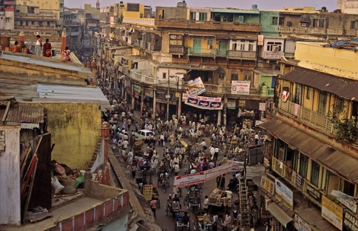 """在印度如许""""不是一个民族国家""""的地方,其北方社会差序极大,行为""""帝都""""的德里,社会结议和运转逻辑与英美大城市很不 相通。 视觉中国图"""