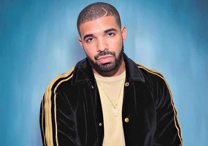 添拿大说唱歌手Drake现在在Spotify和Apple Music上的总播放均超过100亿次,并保持一年发走一张专辑的频次