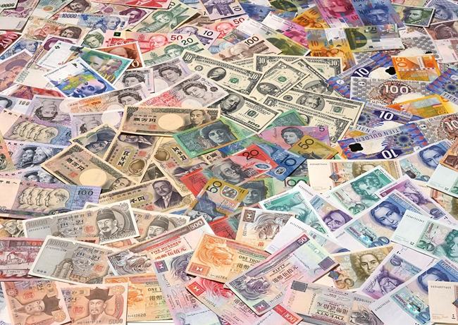经济学家周洛华在新书《货币首源》中,引入人类进化视角谈货币首源。东方IC图