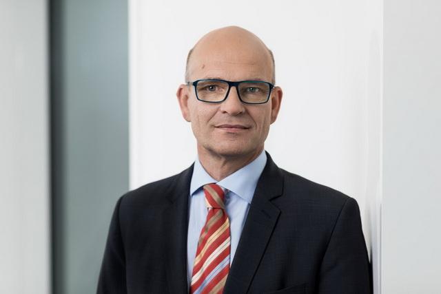 德意志银行全球贸易融资业务主管丹尼尔·沙曼(Daniel Schmand)