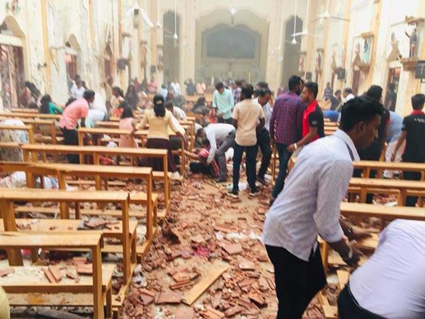 斯里兰卡21日发生多起连环爆炸,图为一处遇袭的教堂。
