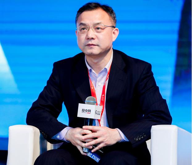 上海市经信委综合规划处副处长赵广君在投中中国投资年会上发言