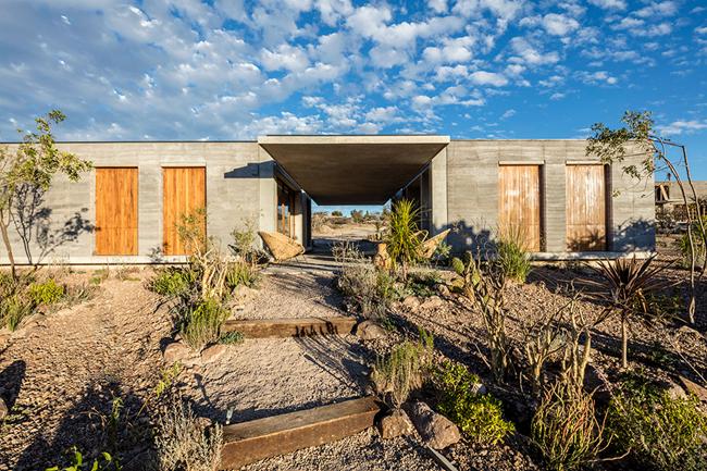 美国亚利桑那州的沙漠住宅(图片来自网络)