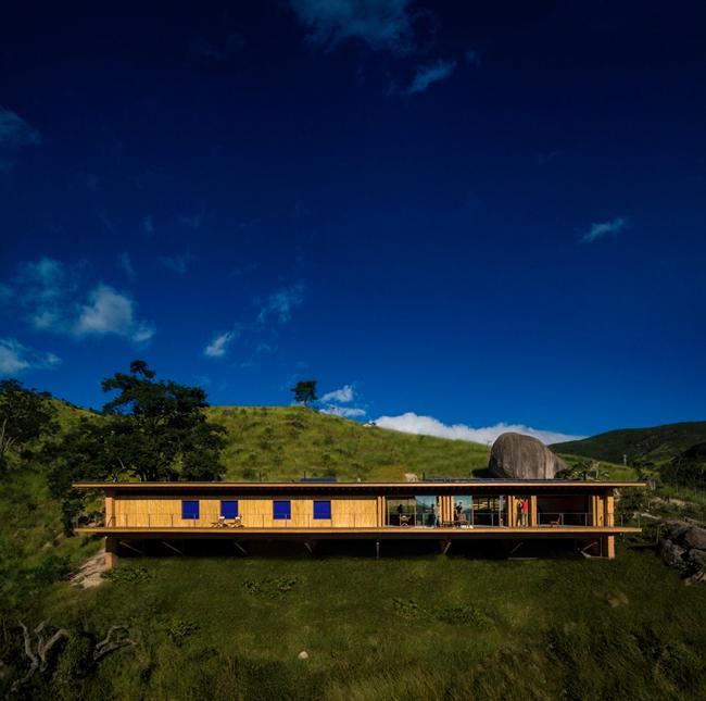 巴西CatuCaba农场的民宿坐落于海拔1500米的高山上(图片来自网络)