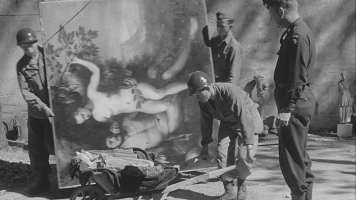 二战结束后,盟军发现、收缴了无数纳粹德国从欧洲各地劫掠来的艺术珍品