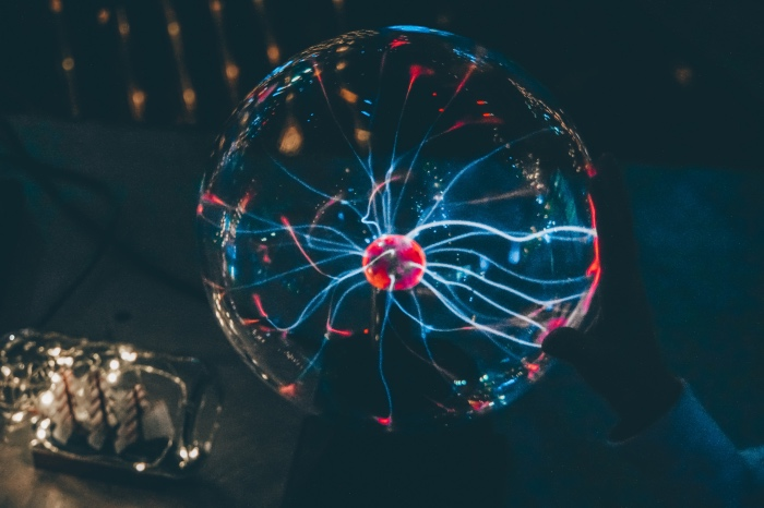 """科幻小说大师阿瑟·克拉克有句名言:""""任何足够先进的科技都与魔法无异。"""" 东方IC图"""