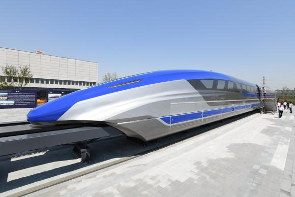 在青岛拍摄的我国时速600公里高速磁浮试验样车。