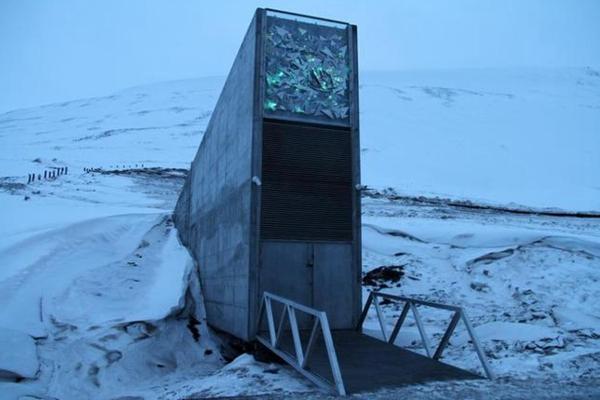 挪威北部斯瓦尔巴群岛拍摄的全球种子库入口。新华社资料图