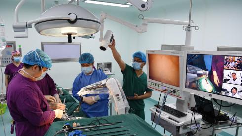 安徽首例5G网络远程协同手术成功实施。 新华社图