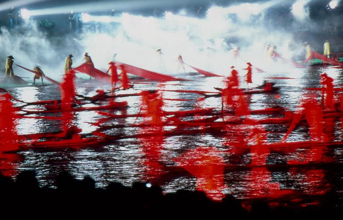 作为我国旅游实景演出的开山之作,2004年至今,《印象·刘三姐》已出演近7000场次,观众近2000万多人次。  视觉中国图