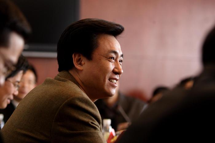 2018年福布斯全球富豪榜上,许家印以个人财富367亿美元位列福布斯世界亿万富豪榜第20名,再次登顶中国首富。  视觉中国图