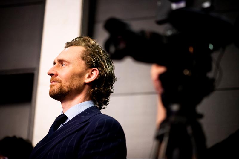 真正让希德勒斯顿成名的是2007年,在伦敦西区出演《辛白林》、《奥赛罗》并获得劳伦斯·奥利弗奖最佳新人奖提名,最终凭借《辛白林》获奖。  图/英国电影电视艺术学院