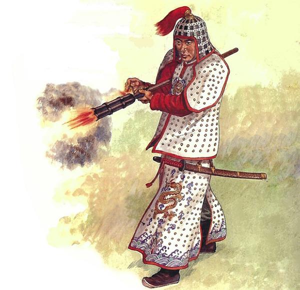 明代火器威力惊人。图中火铳兵手持的三眼铳创制于明嘉靖年间,连射性能好,且实用性高,普及行使于明骑兵和神机营部队,是明军主要的单兵火药武器。