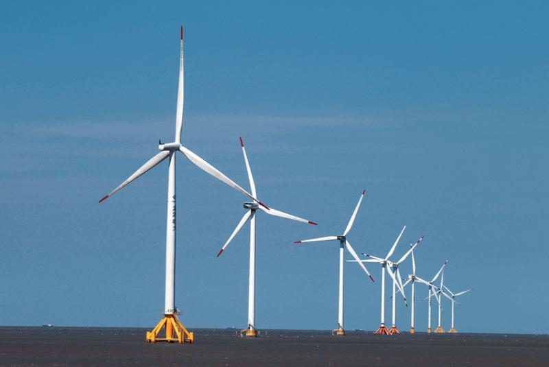 从已核准和在建风电项目来看,除了少数民营企业,开发商均是大型央企或者地方能源巨头,三峡集团、中广核、国家电投、国家能投、华能集团等五家能源央企合计的份额达65%。 视觉中国图