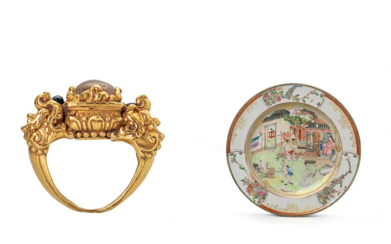 左:御制金戒指一枚,柬埔寨高棉帝国,约14世纪,直径1.61厘米,重22克,Susan Ollemans,伦敦 右:粉彩画珐琅描金瓷碟,清雍正,直径22.5厘米,Jorge Welsh Works of Art,伦敦、里斯本