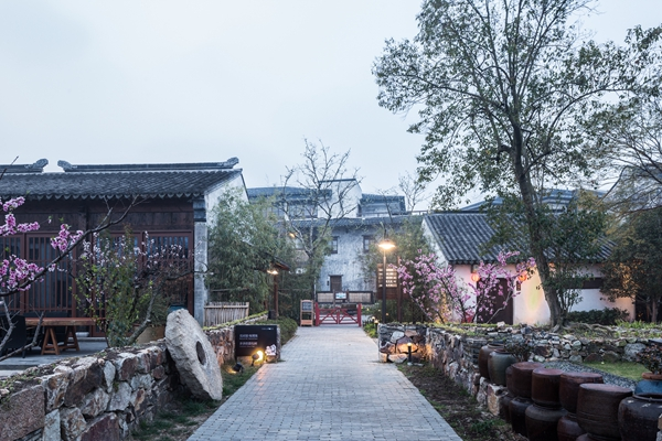 阳山镇的花样乡村景色。