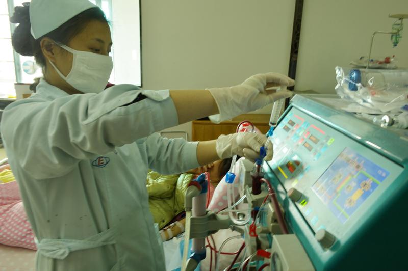 中国成人慢性肾脏病的患病率为约10.8%,总数高达1.3亿人,其中约40%~60%的慢性病患者在5年到20年或更长时间后可能发展为终末期肾脏病。  东方IC图