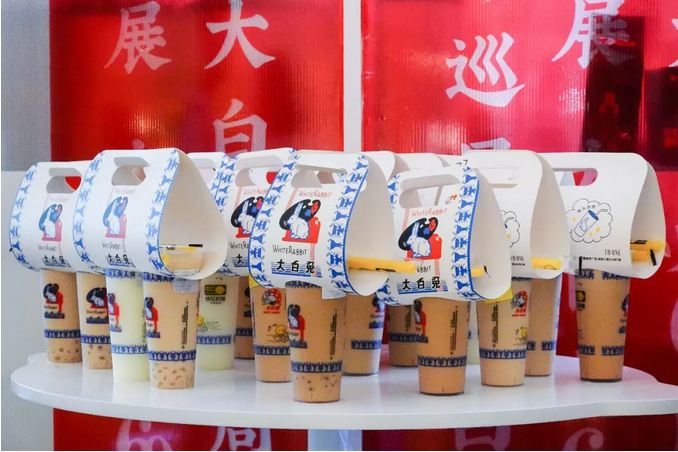 大白兔奶茶快闪店是其60周年全国巡展运动的其中一站。