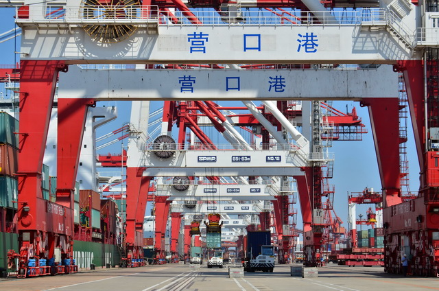 营口港在实现东北经济振兴中将发挥重要作用。摄影/章轲