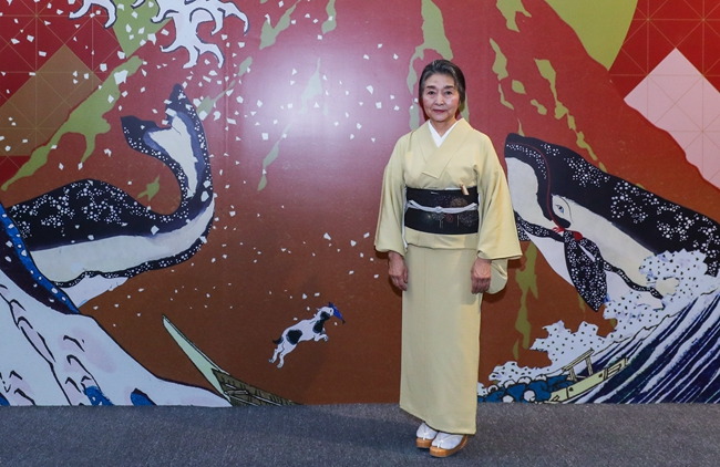 高桥家族第六代传、东京传统木版画协会理事长高桥由贵子。
