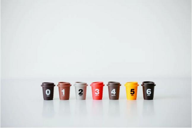 """稀奇的包装是三顿半""""超即溶精品咖啡""""吸引消耗者的因素之一。"""