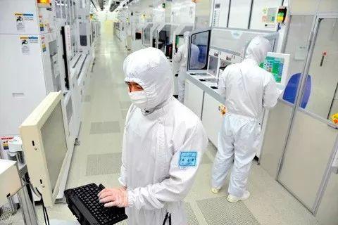 三星电子工厂的生产车间(来源:韩国《朝鲜日报》)