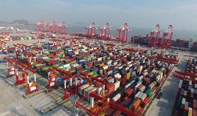 上海洋山深水港四期自动化码头