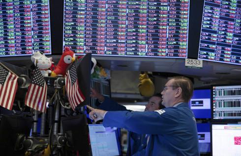 在贸易不确定性和对美国经济衰退担忧持续的背景下,华尔街分析师们不看好科技股和银行股。
