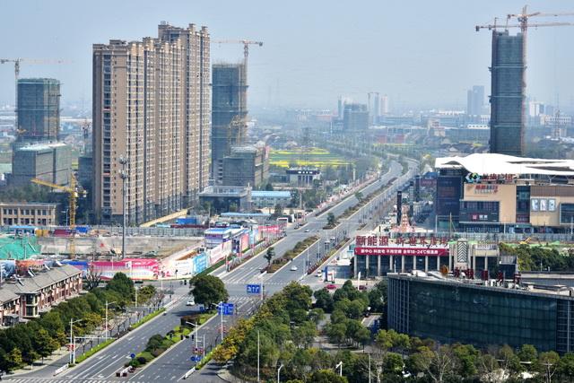 江苏省泰兴市城市景观。摄影/章轲