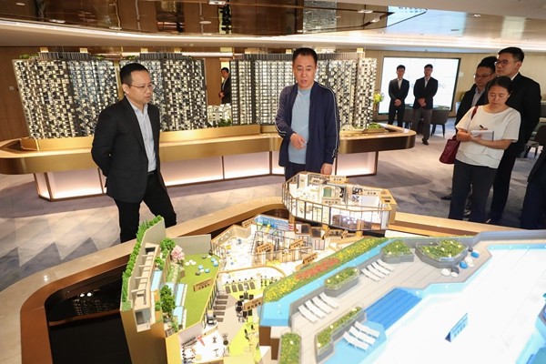 许家印考察恒大香港屯门项现在会所配套情况