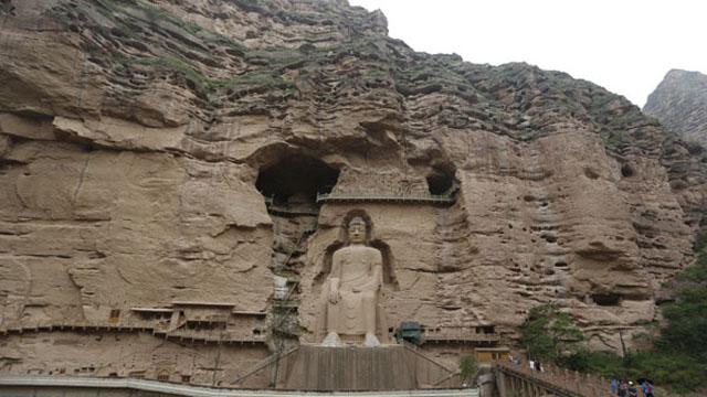 炳灵寺石窟的唐代弥勒大佛已经有1300多年历史