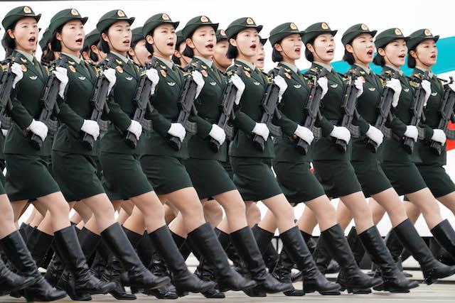 受阅官兵在阅兵训练场进行训练(9月11日摄)。来源:新华社