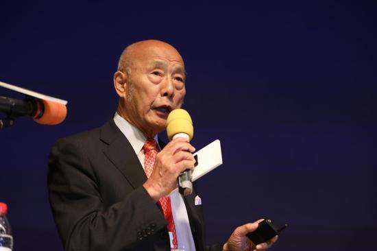 """日本不光是全世界人均寿命最长的国家之一,也是拥有最多百年""""高寿""""企业的国家,这是日本经济大学教授后藤俊夫基于大量资料得出的结论。"""