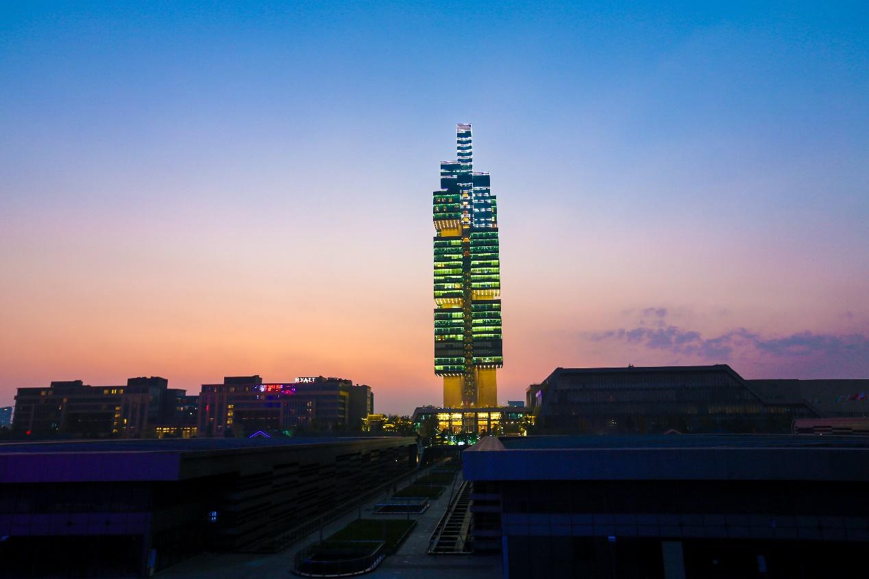 中天金融总部:201大厦