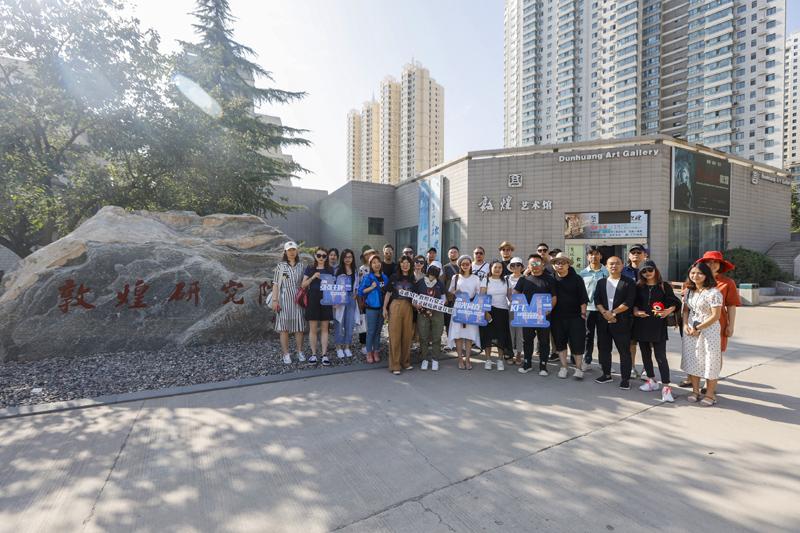 参与炳灵寺驻地项目的设计师,都是第二届M+中国高端室内设计大赛的优胜者
