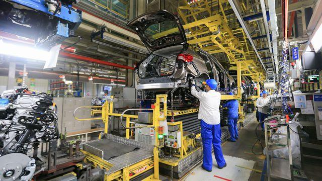 前三季度制造业减税占了减税总额约三成,批发零售业约两成。