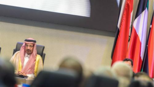 """""""四季度油价前景不妙!沙特复产加剧供需矛盾,欧佩克减产陷两难抉择"""