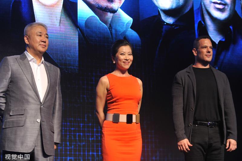 印纪传媒的三位创首人,从左至右为肖文革、吴冰、丹·密茨,他们别离负责公司的融资、企业管理、创意营业   视觉中国图
